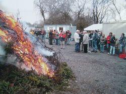 2006 haben wir dort das erste Osterfeuer in unserer langen Vereinsgeschichte abgebrannt.